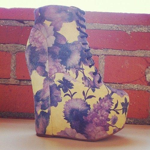 Floral Boots. http://buzznet.com/~g93d478