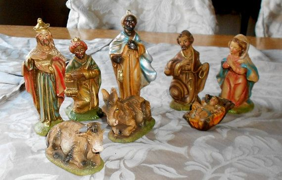 Antique Fontanini Manger 8 Piece Set Made In By Cottageshabbyshack 145 00 Pottery Art Jesus Mary And Joseph Nativity Set