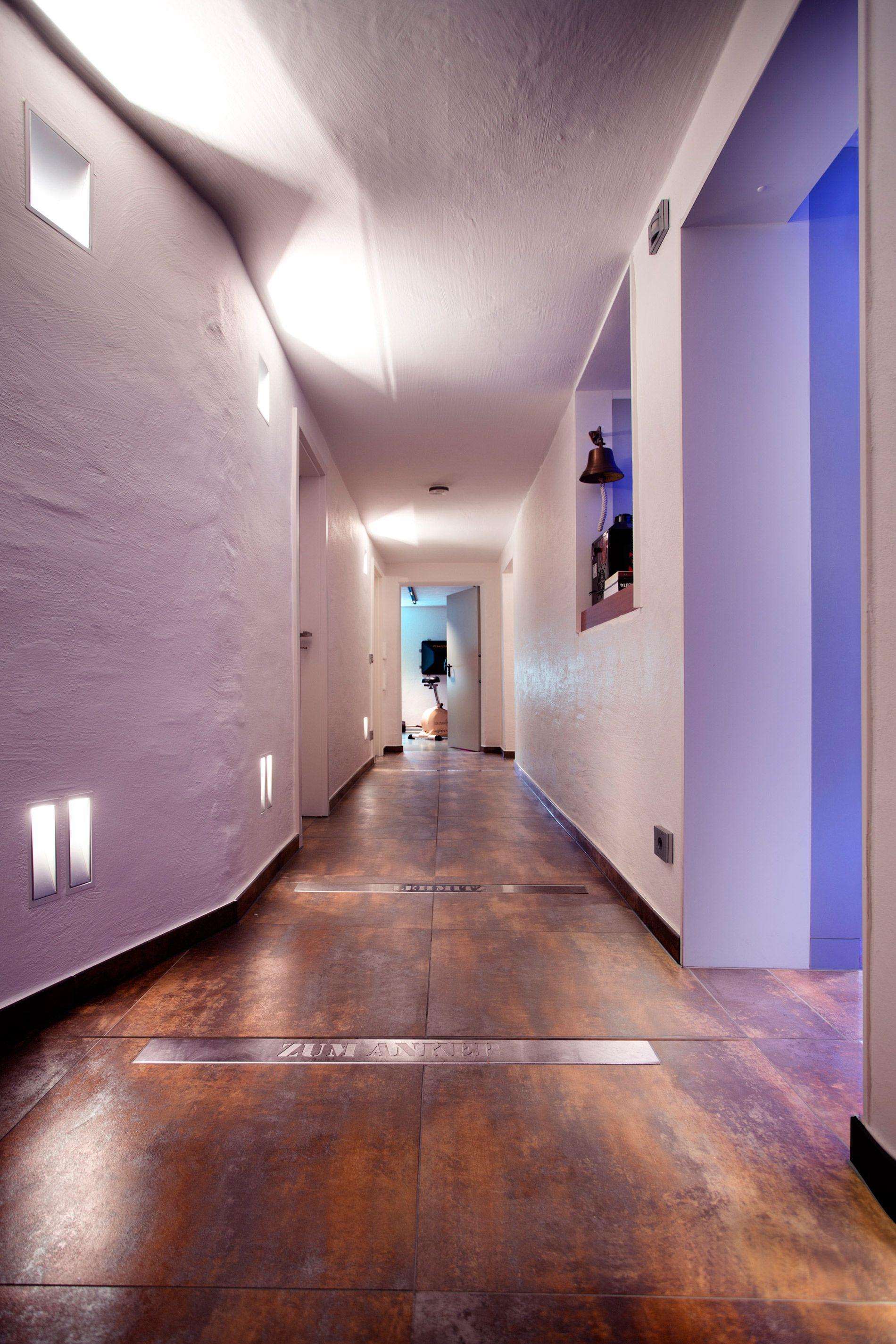Raum: Wohnräume Wandeinbauleuchte mit LED zur Ausleuchtung der Decke ...