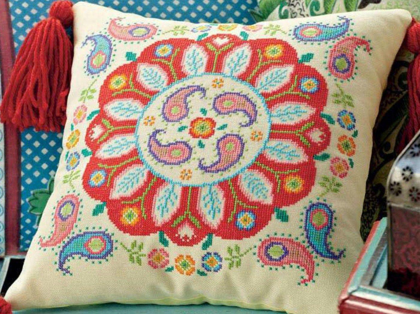 Como Hacer Cojines Decorativos Punto De Cruz.Pin De Maria Rivera En Punto De Cruz Cross Stitch Cushion Cross