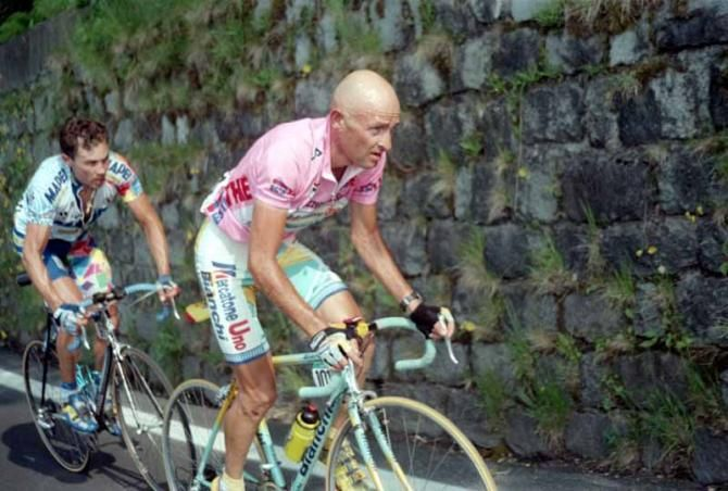 Marco #Pantani in the epic stage 19 from Cavalese to Monte Campione in the Giro. Pavel Tonkov hangs on.