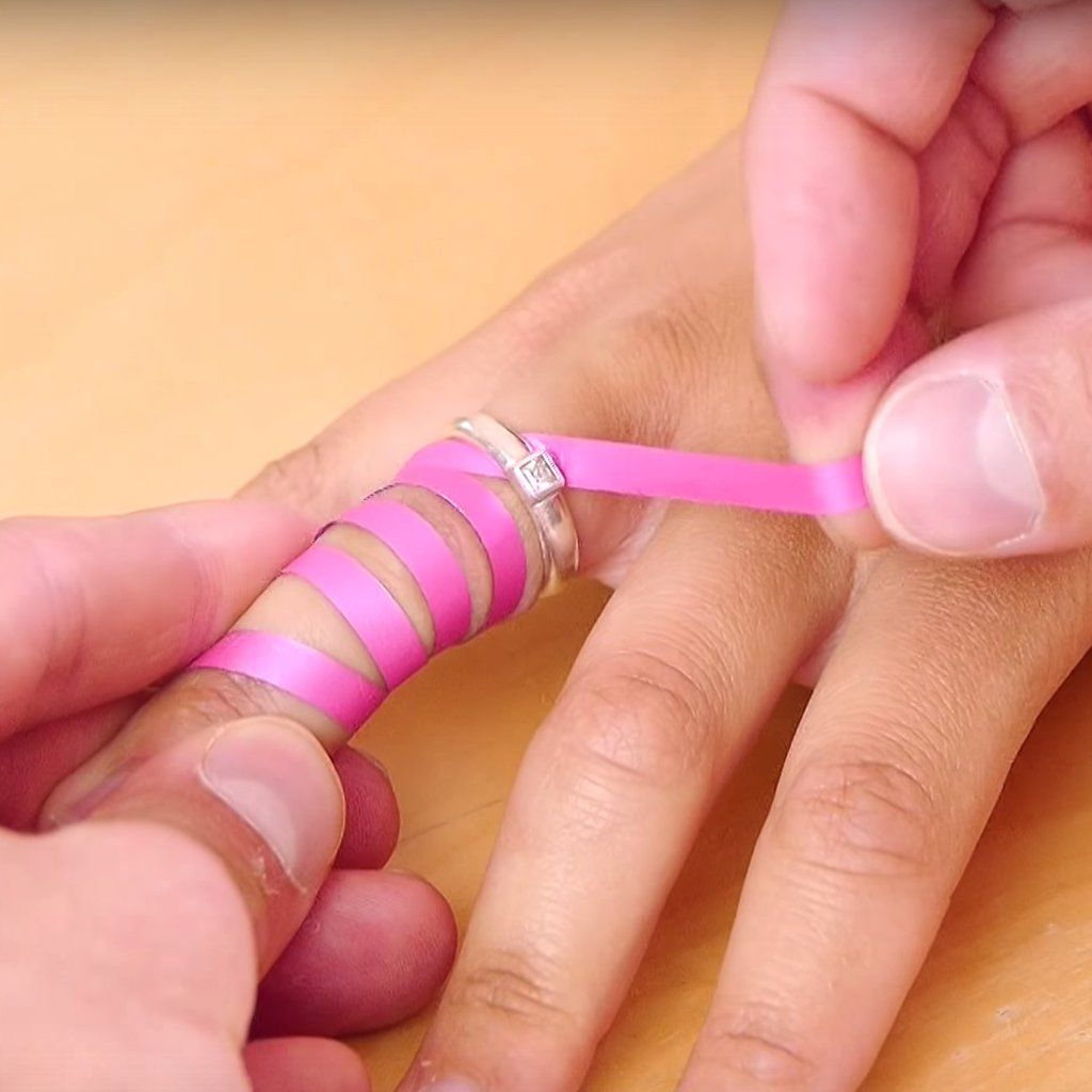 This Brilliant Life Hack Shows You How To Take Off A Ring That S Stuck On Your Finger In 2020 Ring Stuck On Finger Unique Rings Vintage Handmade Ring