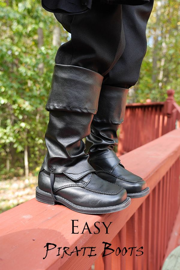 DIY Pirate Boots! Just in time for Halloween and super  easy!//SouthernMothers