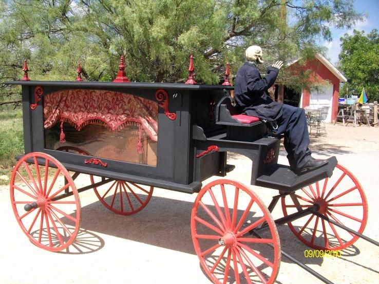 Static: Horse drawn hearse from Halloween Forum. | Halloween Party ...