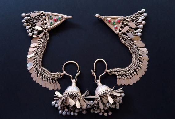 JHUMKI with HAIR CHAINS - Pair of Large Vintage Afghan Hazara Jhumki Earrings with Ornate Hair Chains and Pendants - 12 Gauge Earwires #hairchains JHUMKI with HAIR CHAINS - Pair of Large Vintage Afghan Hazara Jhumki Earrings with Ornate Hair Chain #hairchains