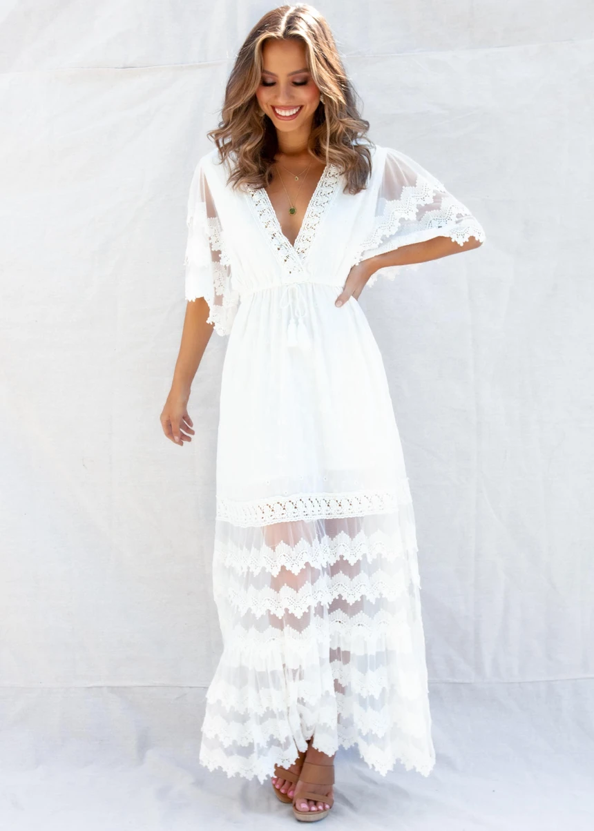 Panama City Lace Maxi Dress White In 2021 White Maxi Dresses White Lace Maxi Dress Lace Maxi Dress [ 1204 x 860 Pixel ]