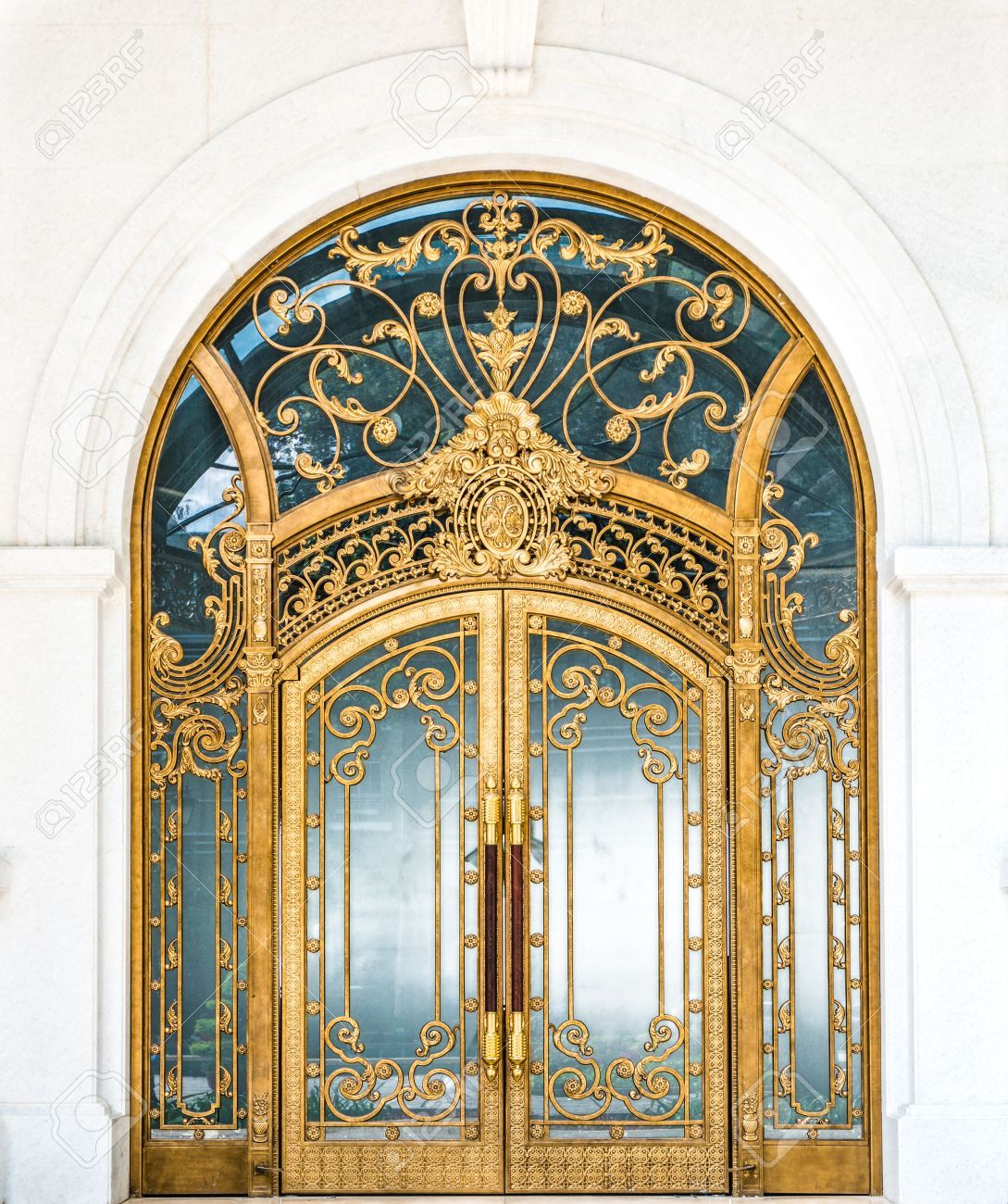 Beautiful Archway Designs For Elegant Interiors: Beautiful Arched Doorway. Door Made Of Wood, Gold And