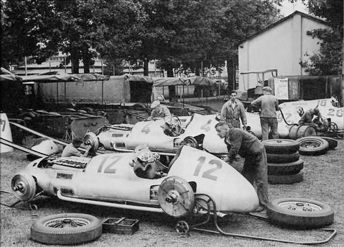 1938, Italian GP at Monza. Preparation of the Mercedes cars