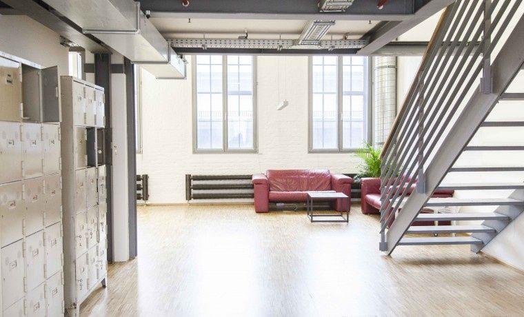 Bürogemeinschaft Berlin arbeiten in cooler location mit industriellem loftcharakter büro