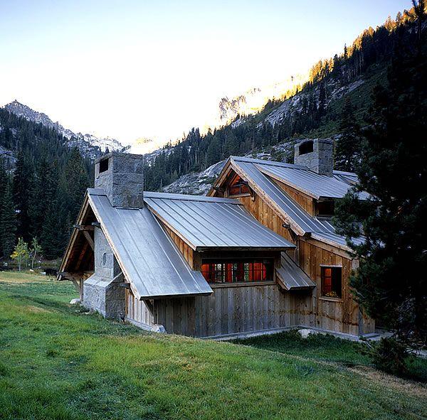 Zinc Standing Seam Metal Roof In Northern California Metal Roof Houses Metal Roof Wilderness Cabins