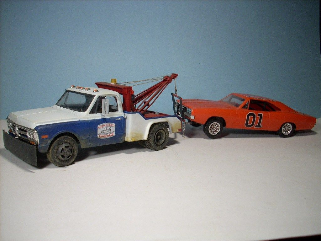 DUKES OF HAZZARD COOTER LICENSE PLATE GMC TOW TRUCK