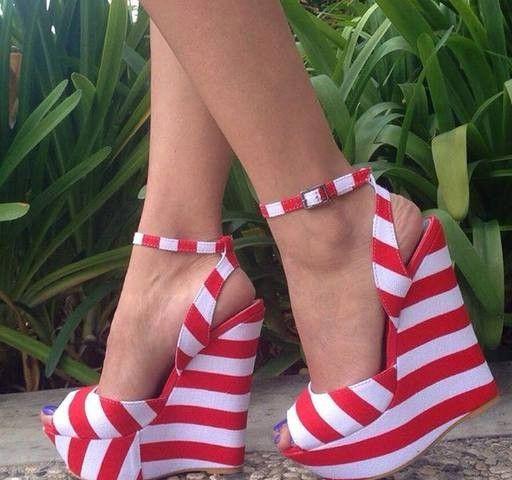 Rojo y blanco. :)