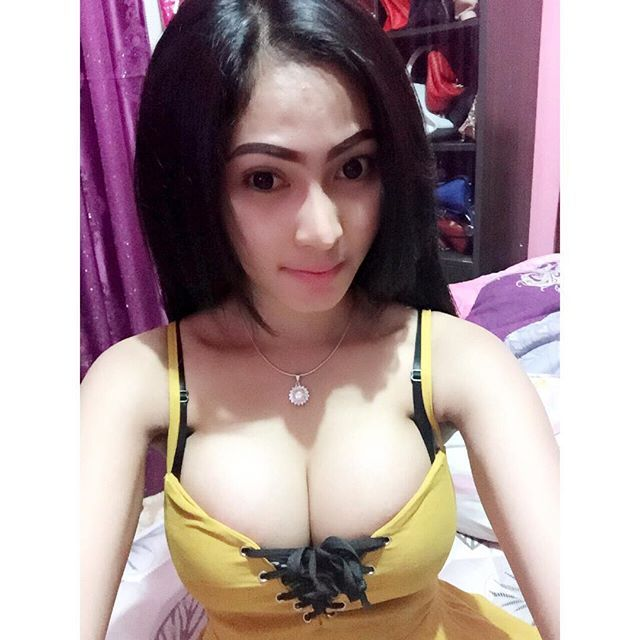 Foto Hot Model Keke Fanara Toket Super Montok