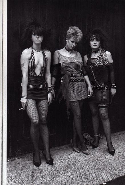 Pin af Maria Daugbjerg (3) på punk / goth culture ( no.1 ) | Punk, Punk goth og Punk fashion