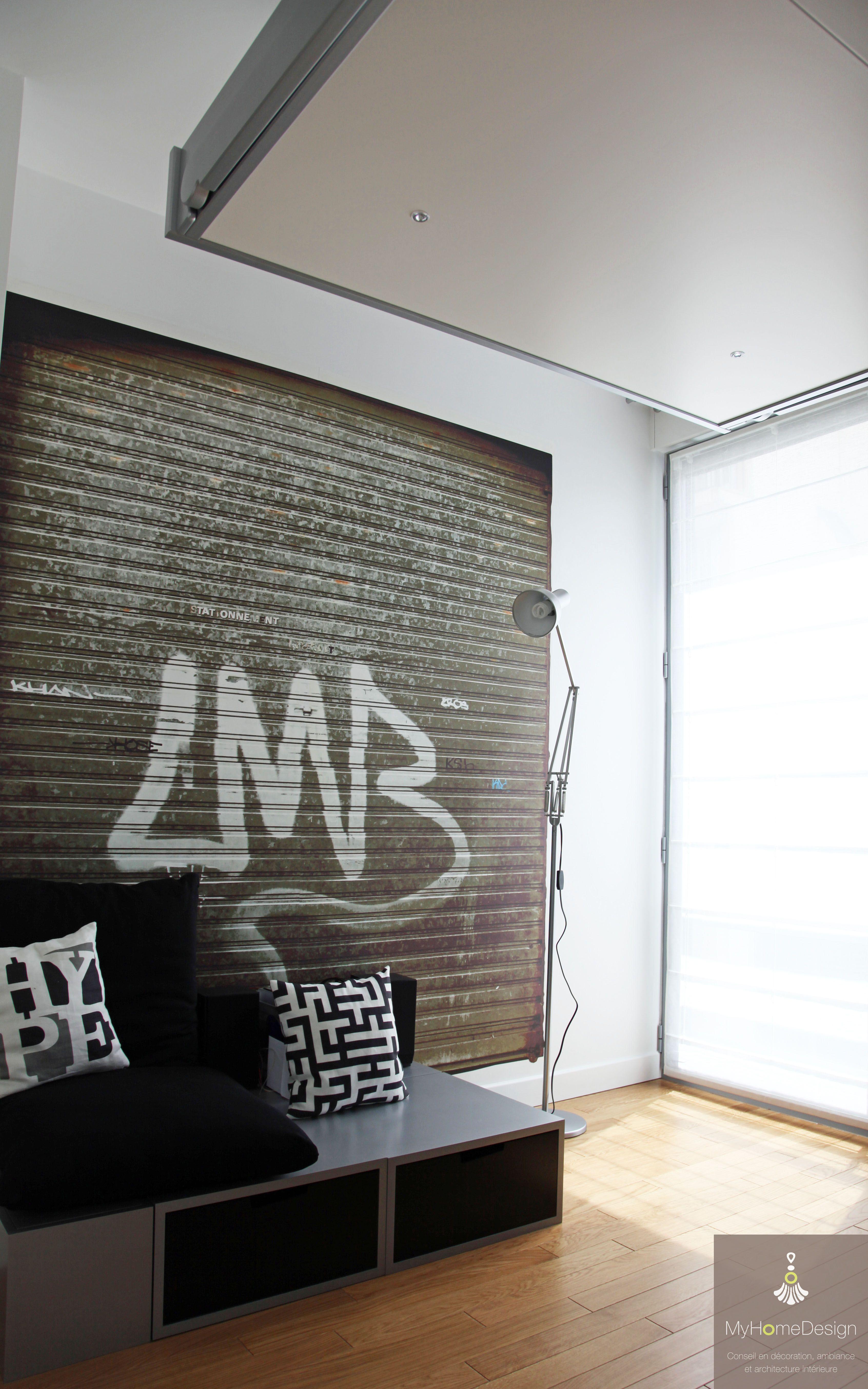 """Chambre d adolescent avec papier peint """"porte de garage"""""""