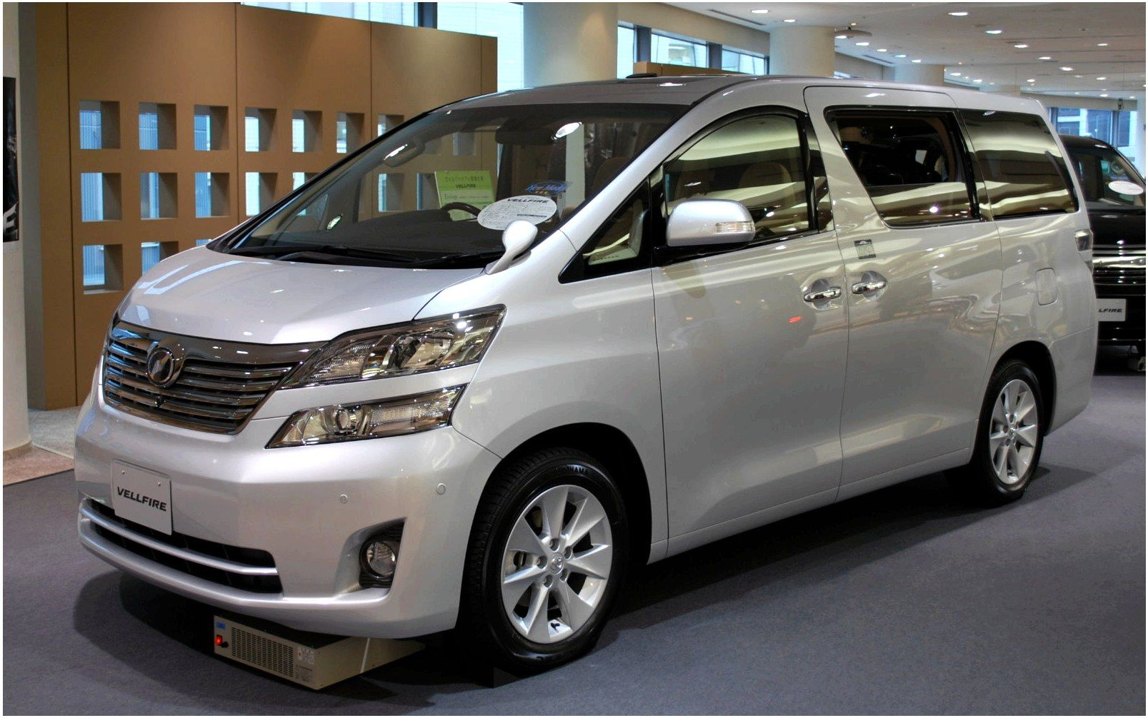 Review Toyota Alphard Electricandgasoline Hybrid Mini Van Electric Cars And Vehicle