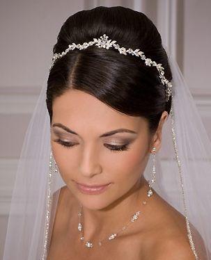 Peinados para boda cabello recogido con velo