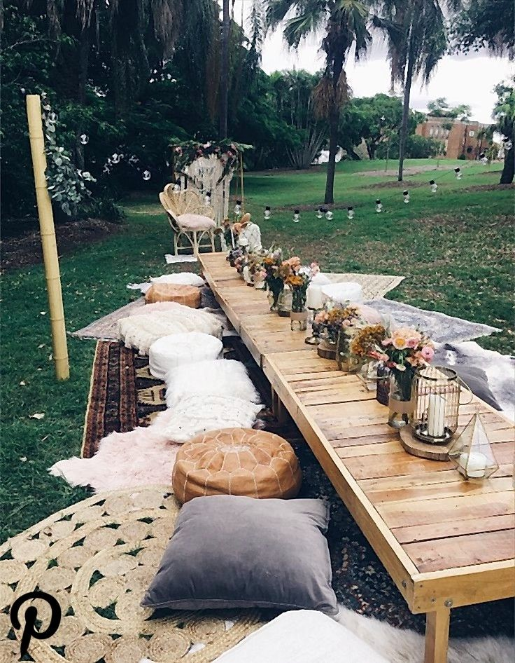 Bohemian picnic in the park set up styled by Harper Arrow Bohemian picnic in the park set up styled by Harper Arrow