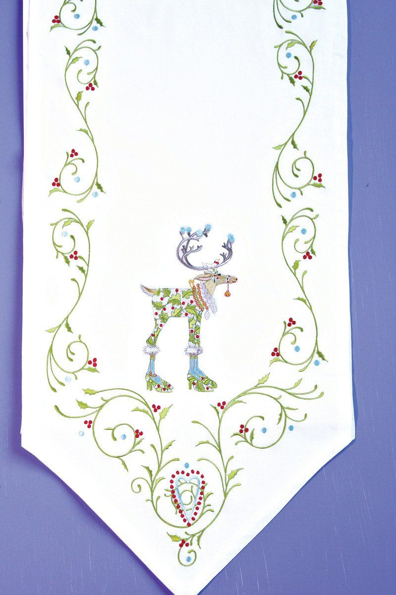 Dash Away Table Runner With Images Christmas Table Cloth Embroidered Table Runner Xmas Table Runners