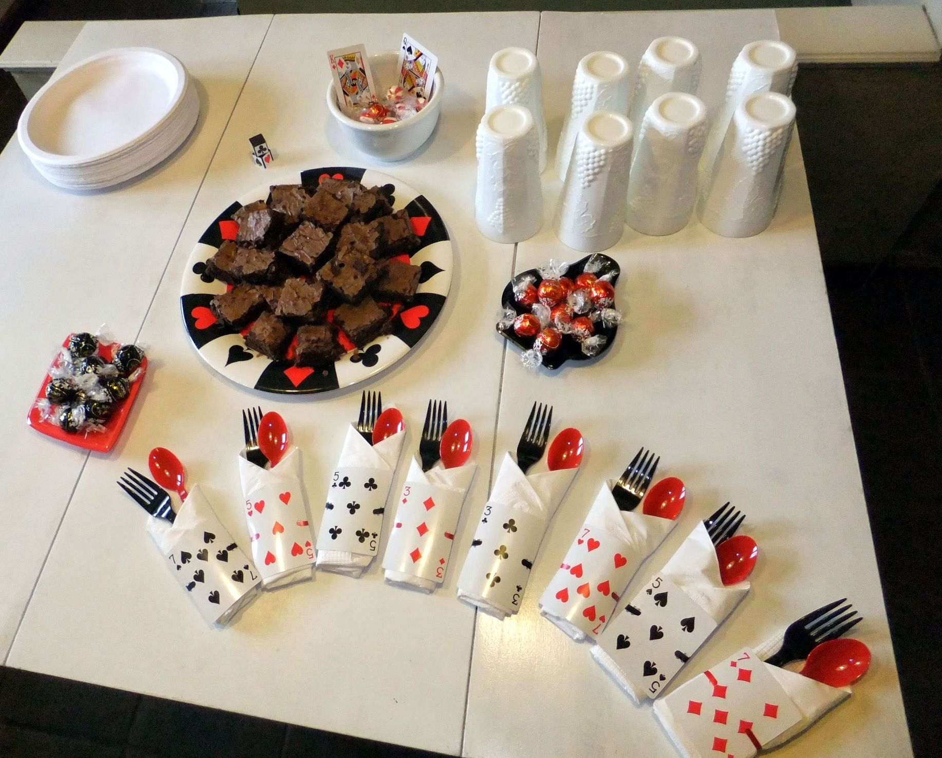 Euchre Party Casino party decorations, Casino party