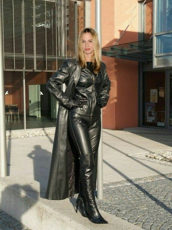 Holypizzaenthusiast Lederlady Women Leather Feshion
