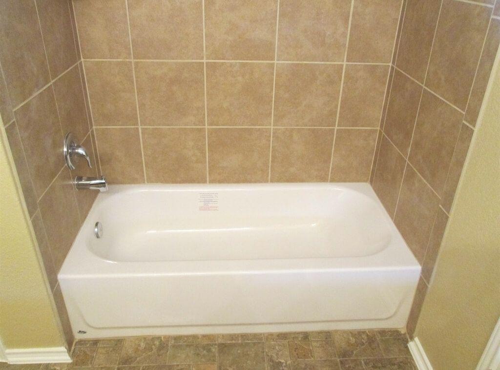 Surprising Tiled Bathroom Walls Picture Decoration Le Tile Design Ideas
