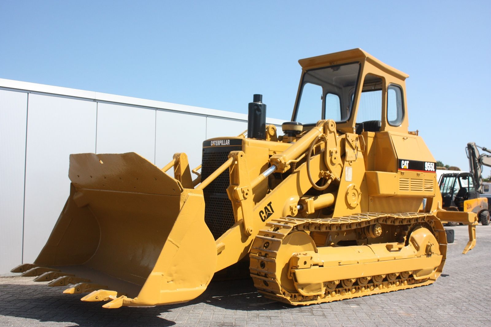 CAT CRAWLER #LOADER Either a Caterpillar 977L or a 983B