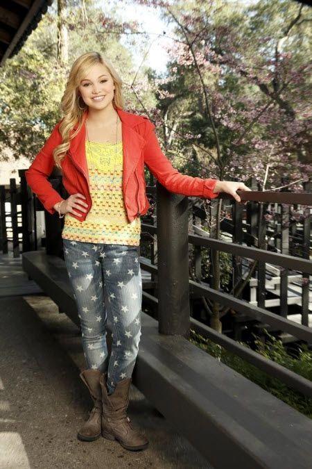 "Olivia Holt Talked With TWIST About Season 3 Of ""Kickin' It"