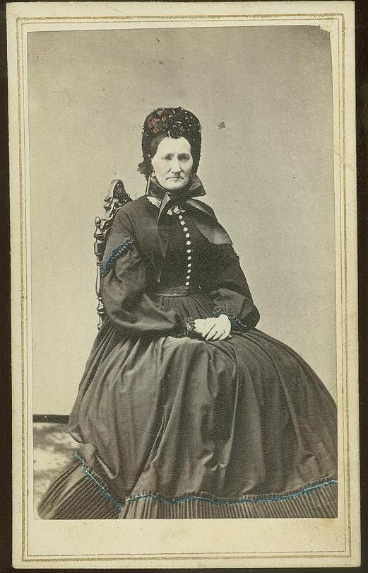 lady_bonnet.jpg (521×810)