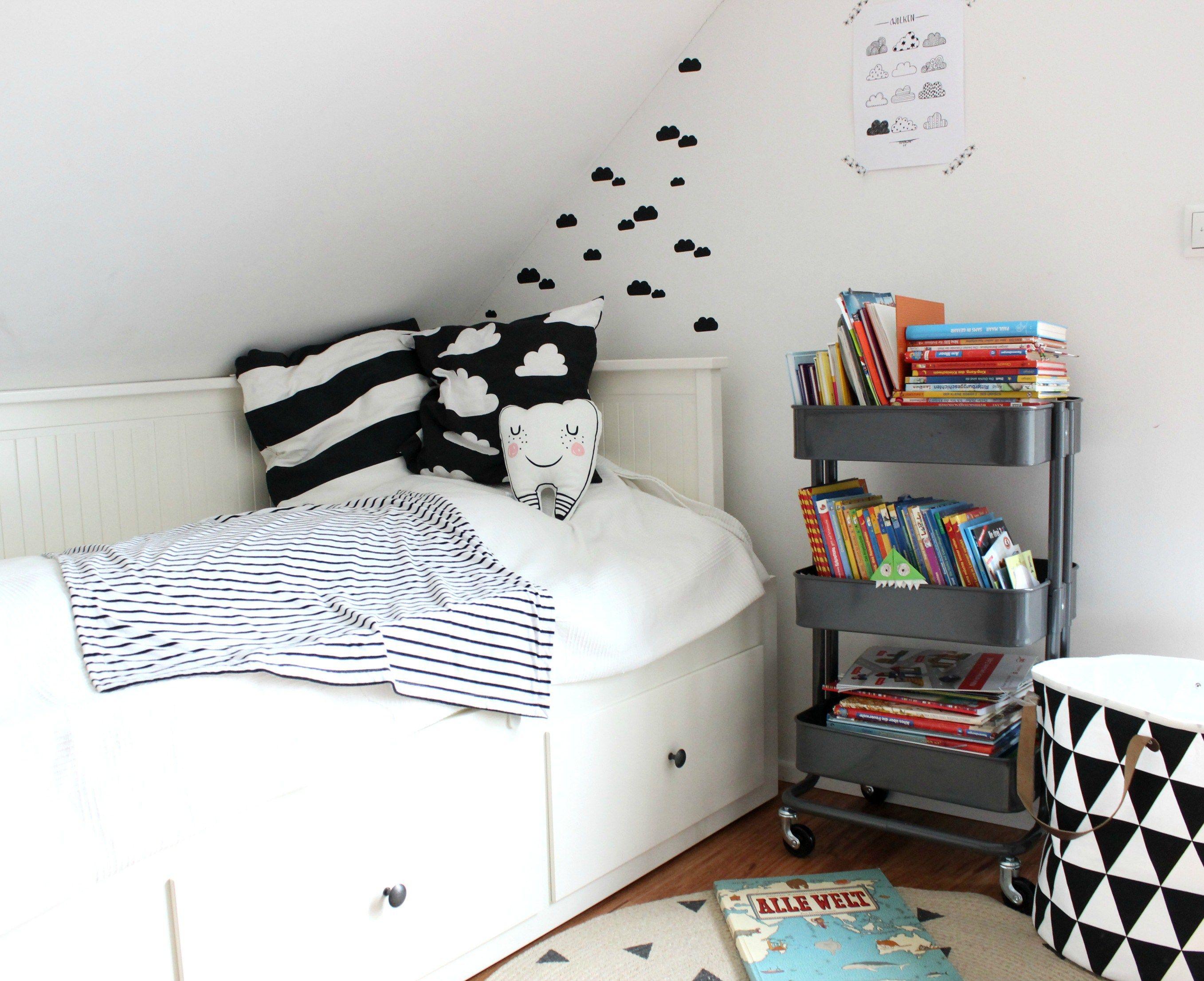 Kinderzimmer Vertbaudet ~ Hausregal herbst winter vertbaudet kids rooms