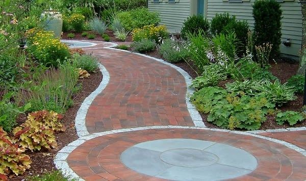 brick paver walkway designs this walkway design features brick pavers with cobblestone edging and