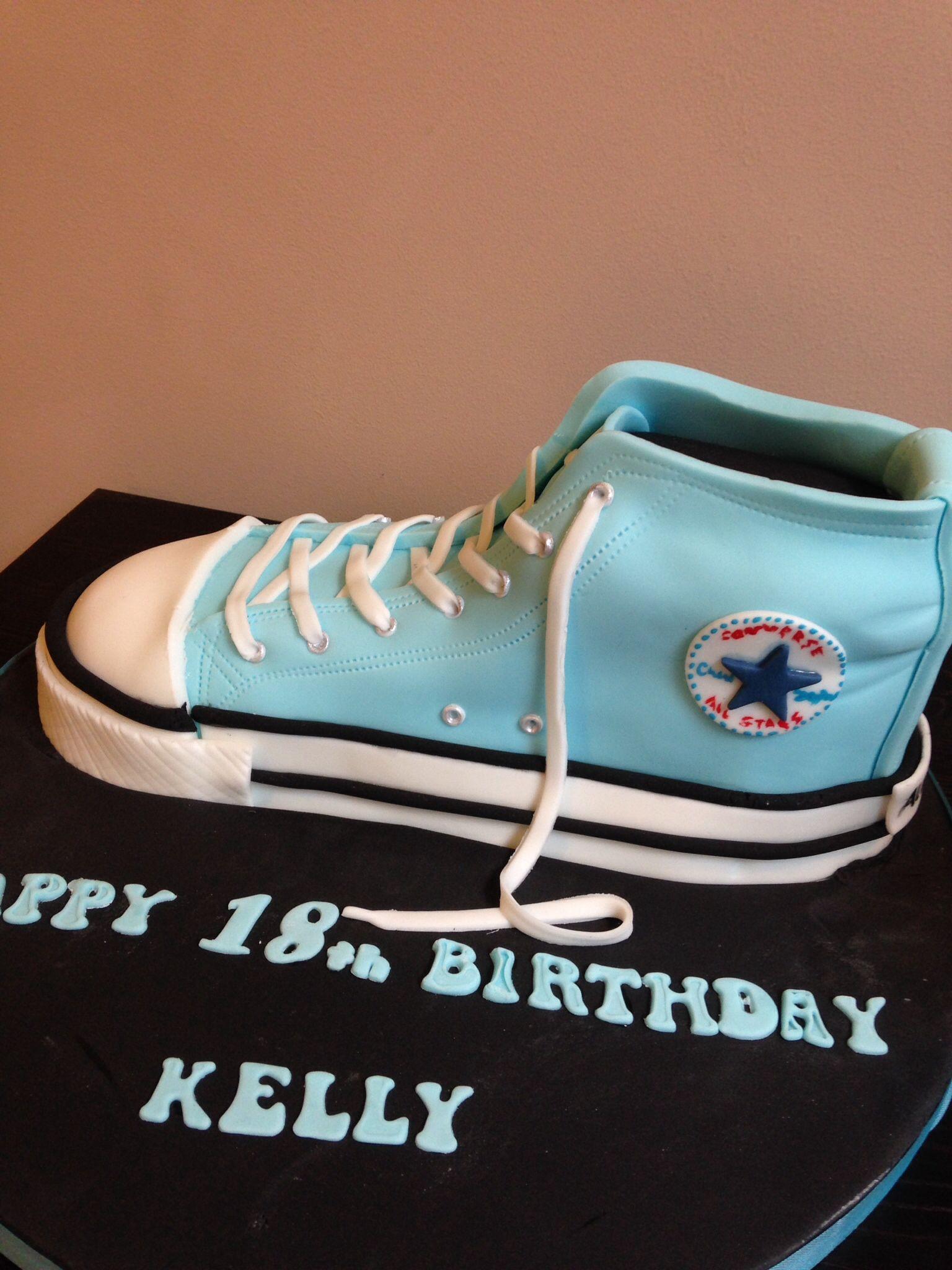 Gâteaux Converse D'anniversaire Pinterest Mes Chaussures Gâteau vawqSzv8