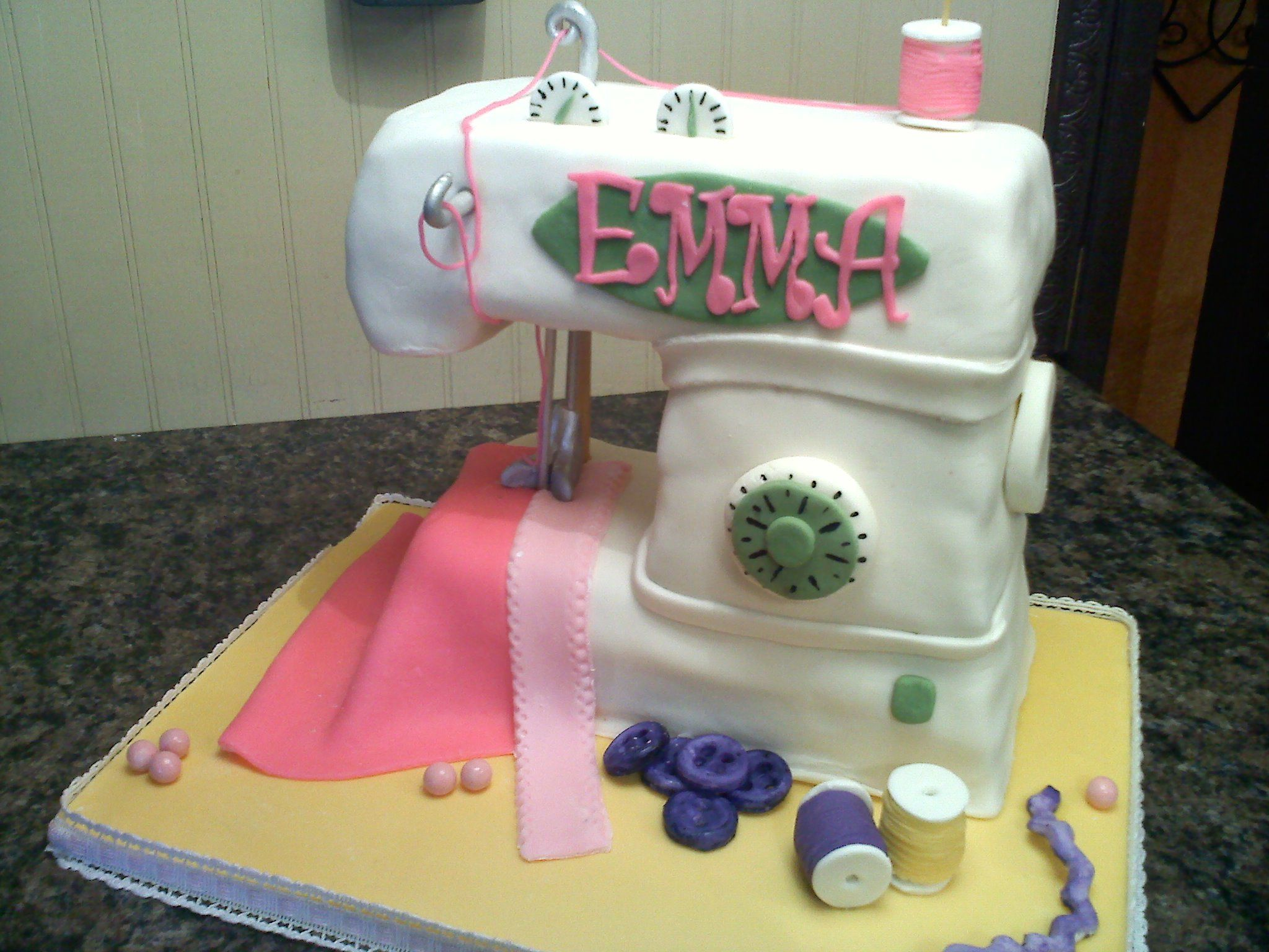 Embroidery Machine Cake | Makaroka.com