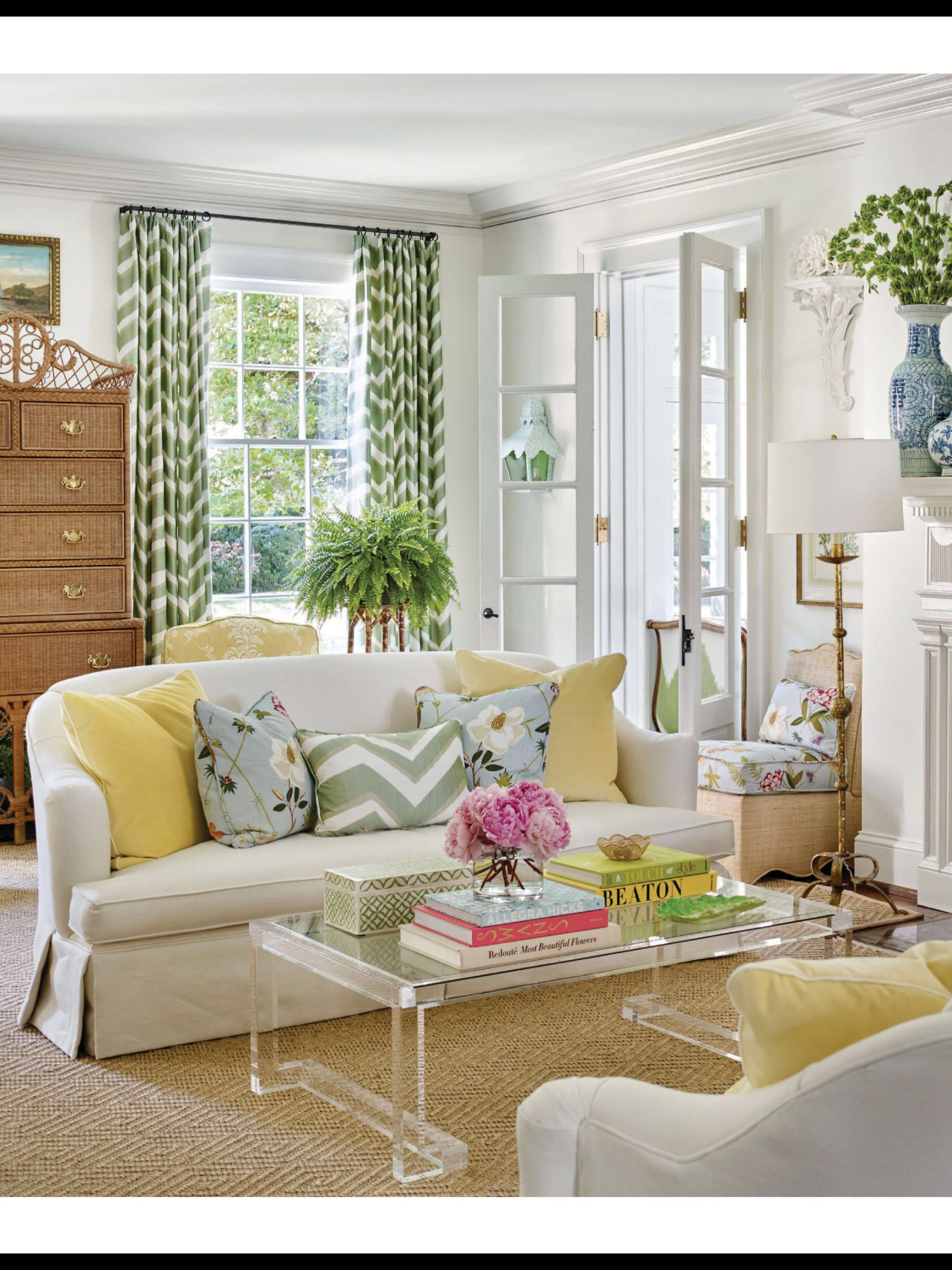 Worth The Wait From Traditional Home May June 2018 Read It On The Texture App Unlimited Access To 200 T Traditional Home Magazine Living Room Designs Home