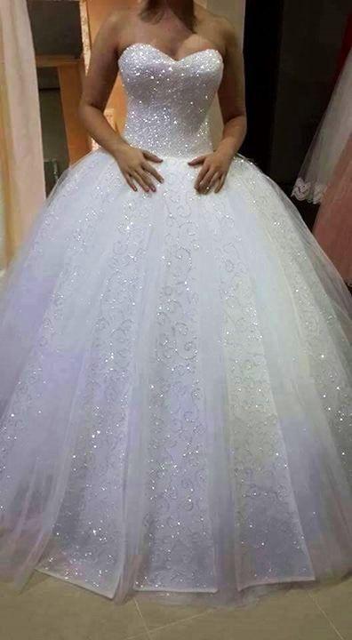 Charming Tulle Ball Hochzeit, Appliques Brautkleid, Sparkly Pearls Long Brautkleider, White Bridal Dress