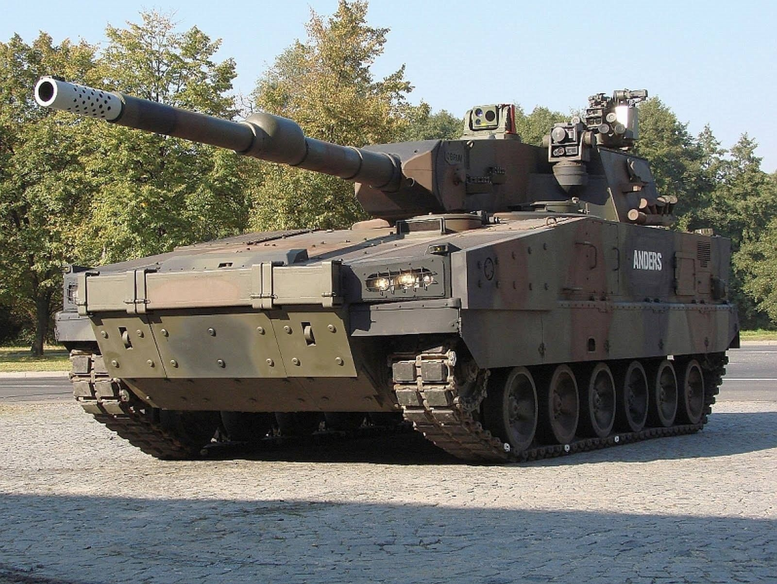 Polish Army - WPB Anders - Medium Tracked Armored Personnel Carrier