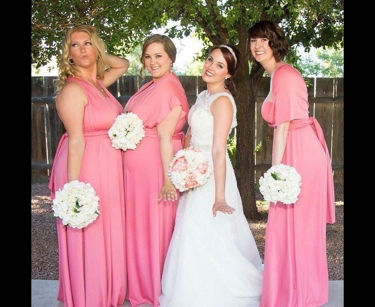 One Of The Fun Wedding Photo Ideas With Your Bridesmaids Love How Spontaneous Taylor S