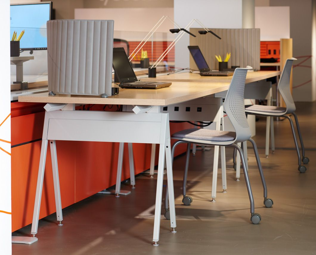 knoll neocon 2015 showroom tour knoll at neocon 2015 knoll knoll at neocon 2015. Black Bedroom Furniture Sets. Home Design Ideas