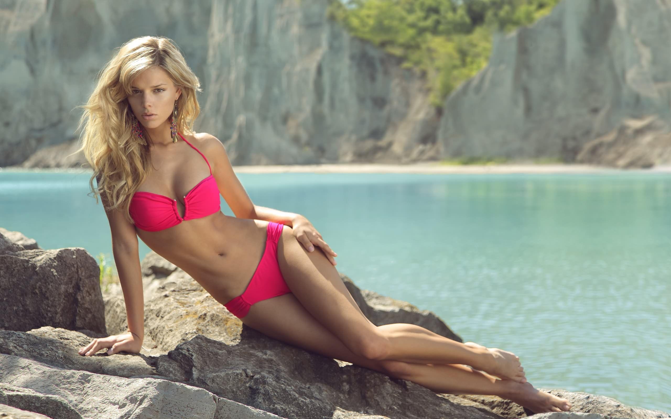Bikini beautiful women wallpaper