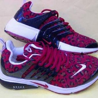 $19 nike free shoes on