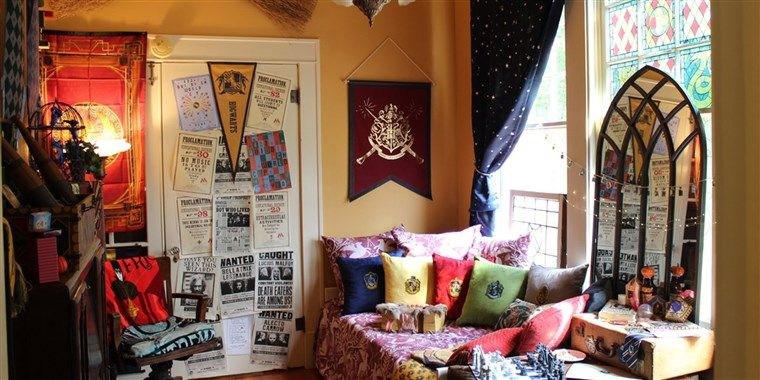 This Couple Created Their Own Harry Potter Reading Room And It S Magical Home Decor Bedroom Decor Home