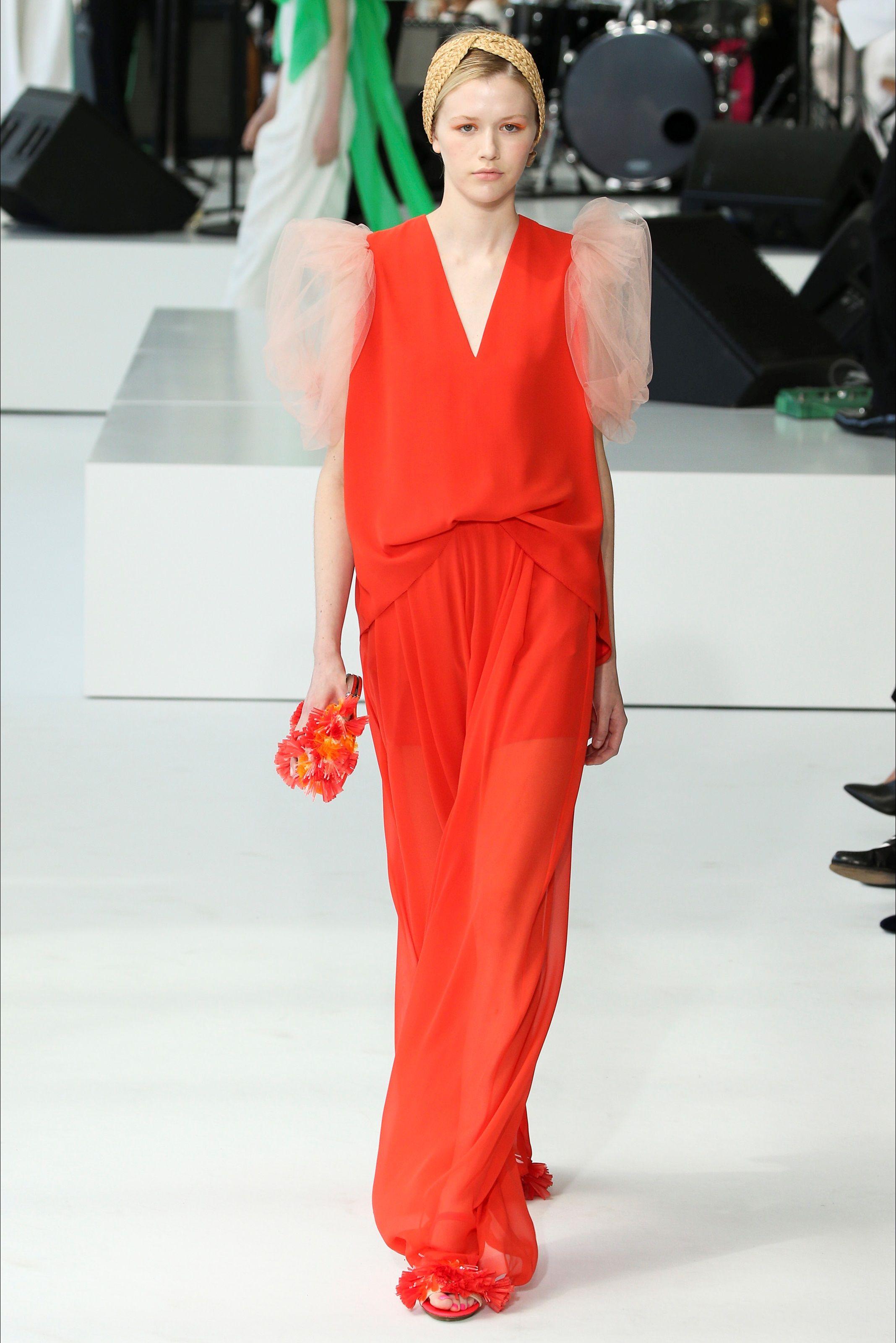 c64b3a3aecd1 Guarda la sfilata di moda Del Pozo a New York e scopri la collezione di  abiti