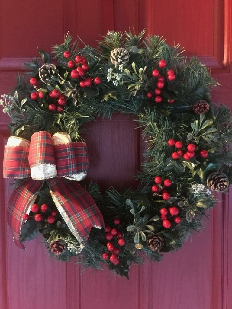 Berry Mistletoe And Pinecone Lit Wreath Etsy Lighted Wreaths Christmas Wreaths Diy Wreaths