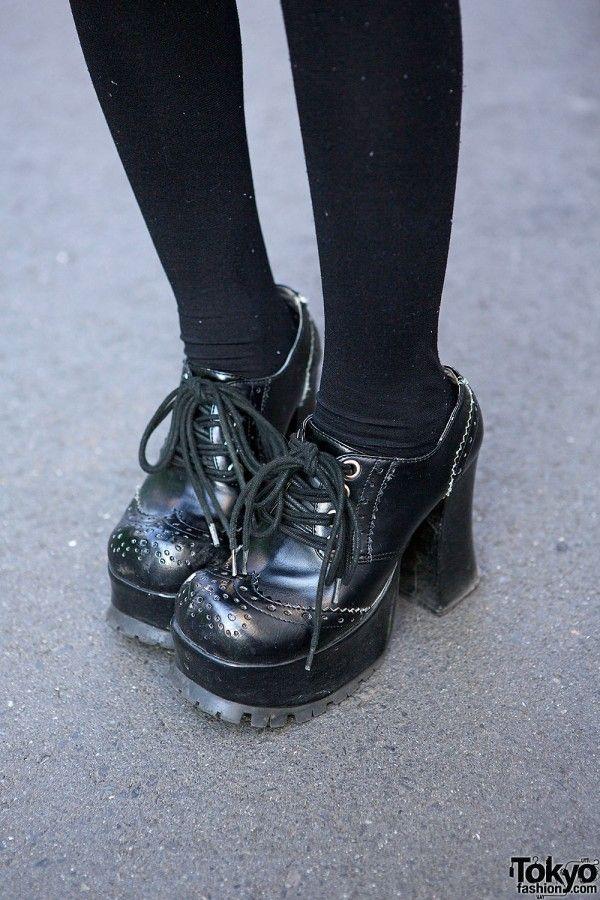 yosuke gothic lolita shoes paint it black pinterest schuhe kleider und gothik. Black Bedroom Furniture Sets. Home Design Ideas