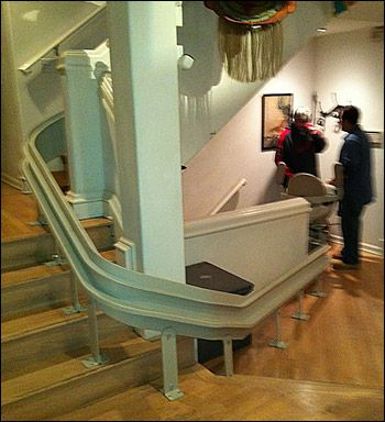 Bruno Curved Stair Lift In Los Angeles With 9 Turns And 7 Levels Stair Lift Universal Design Design