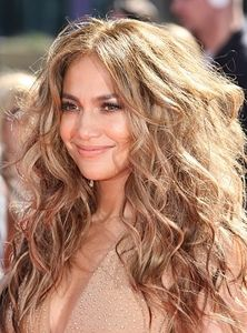 J. Lo goes simple with her makeup for the 2013 Grammys #celebrity