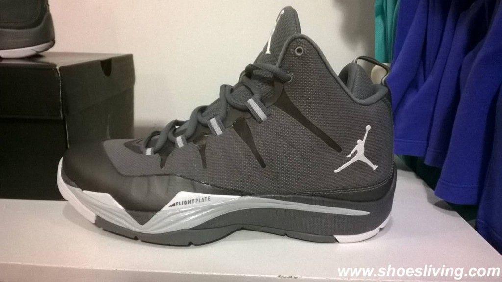 4667ece5d Custom Nike Air Jordan Flight Plate