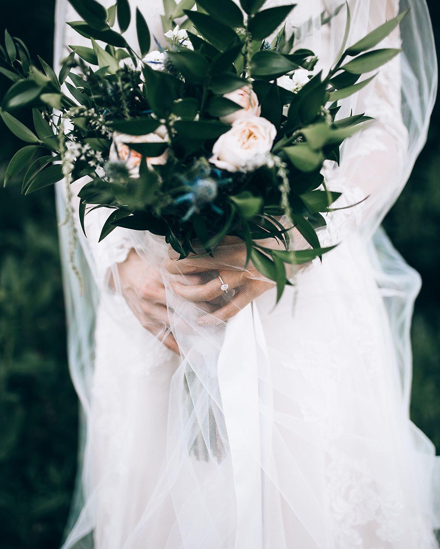 Jordy B Photography #bridals #photoshoot #weddingphotography #weddingideas #littlecottonwoodcanyon #bride #groom #brideandgroom