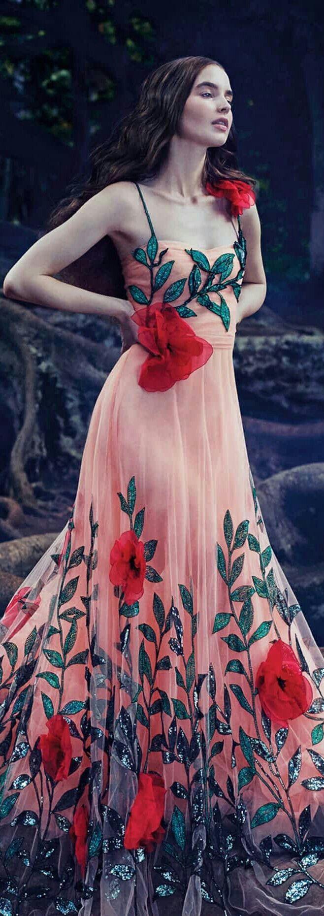 Pin de sunaina sisodia en show gowns | Pinterest | Gasa transparente ...