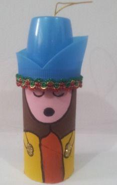 Muñeco navideño con materiales reciclados